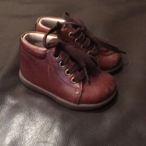 Stride Rite leather walkers sz 3.5 wide